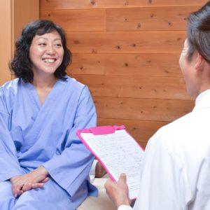 鍼灸師とクライアントの談話