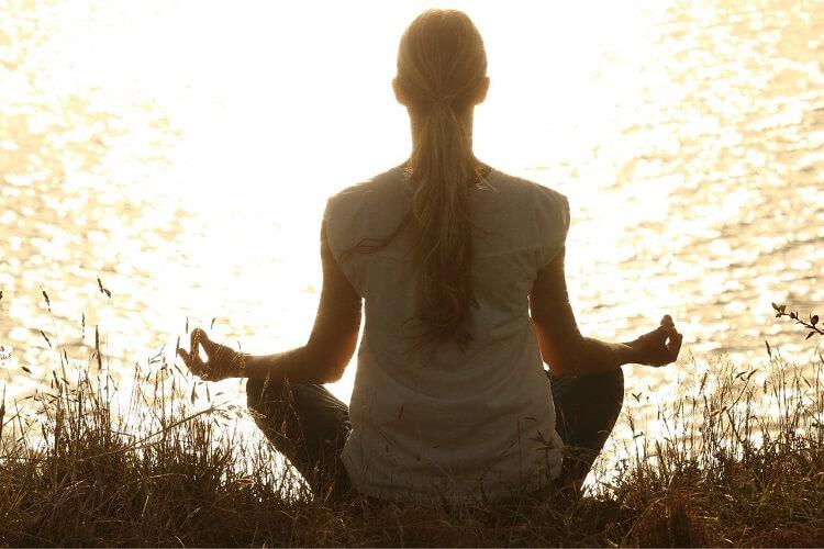 薄毛に効く瞑想とは