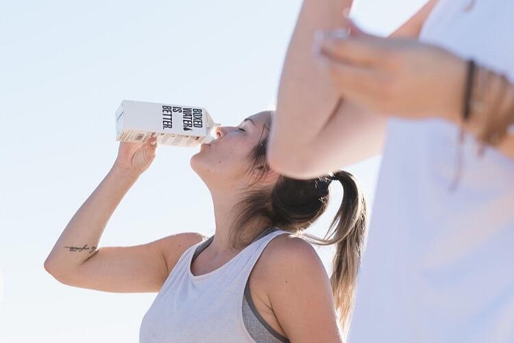 鍼治療後の水分は何で摂取するか?