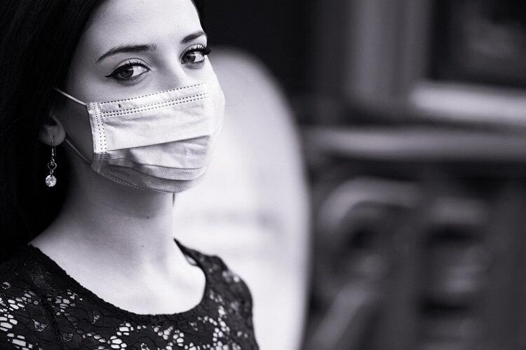 COVID-19(新型コロナウイルス感染症)が流行する中で営業するか否か